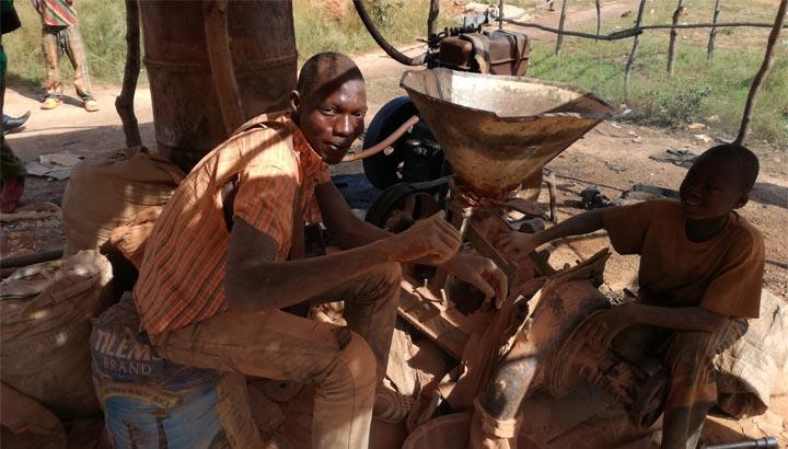 Handwerkliche Goldmine in Burkina Faso