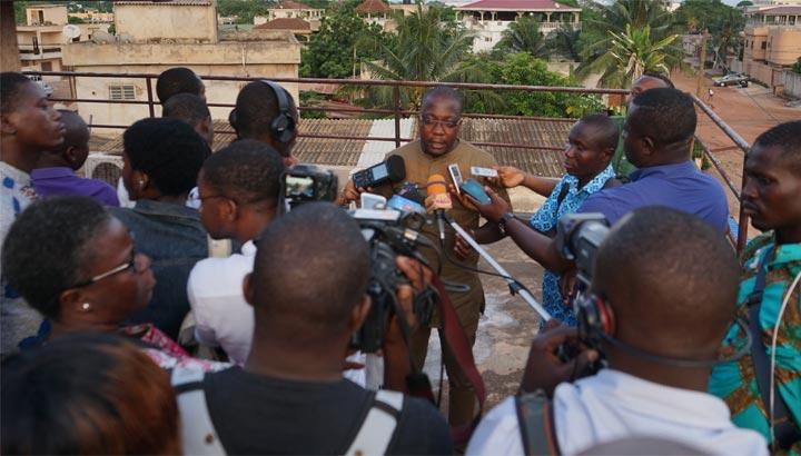 Konsumentenverein in Togo gibt Pressekonferenz