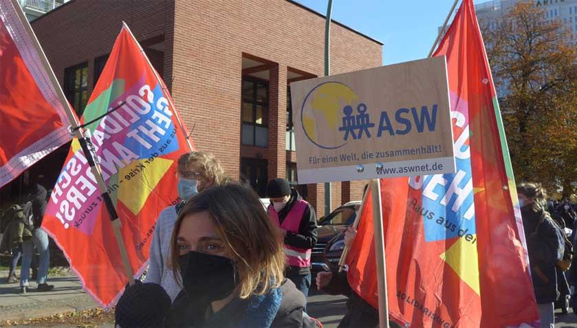 Die ASW bei der Demo Solidarisch geht anders