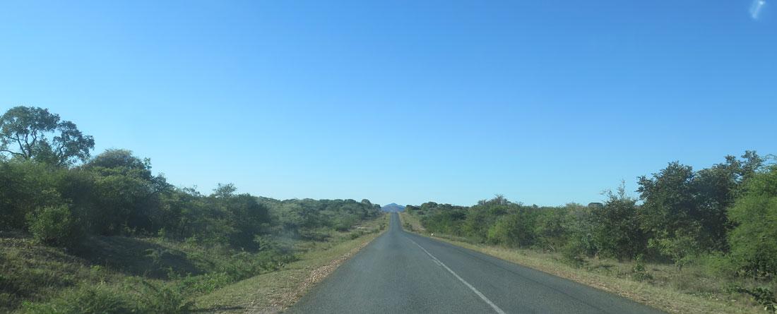 Eine Zufahrts- und Transportstraße Richtung Südafrika